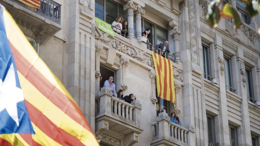 Senyeras, Estelades y carteles de Libertad, en Barcelona