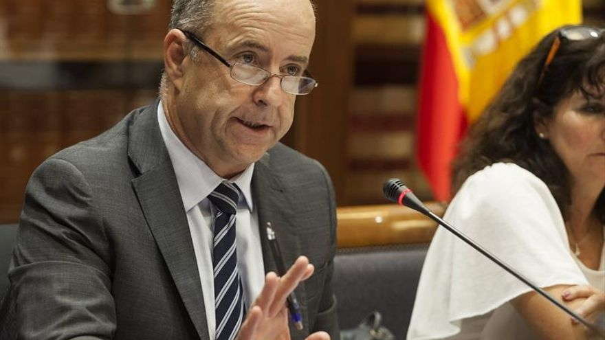 El consejero de Economía, Industria, Comercio y Conocimiento del Gobierno de Canarias, Pedro Ortega. EFE/Ramón de La Rocha
