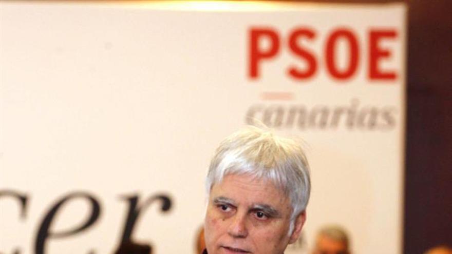 El secretario general del PSOE de Canarias, José Miguel Pérez, durante la reunión extraordinaria del comité regional del partido. EFE/Elvira Urquijo A.