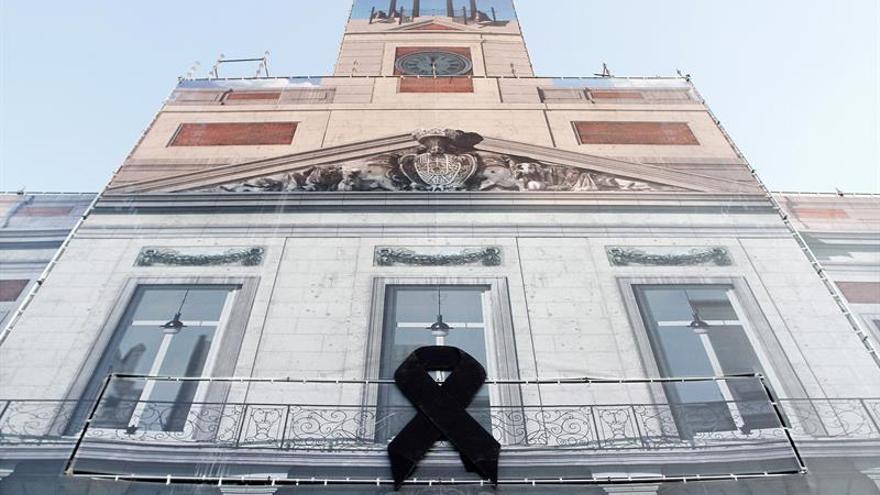 Un cresp n negro en la puerta del sol de madrid por el for Puerta del sol hoy en directo