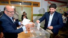 López Miras suspende su primer examen