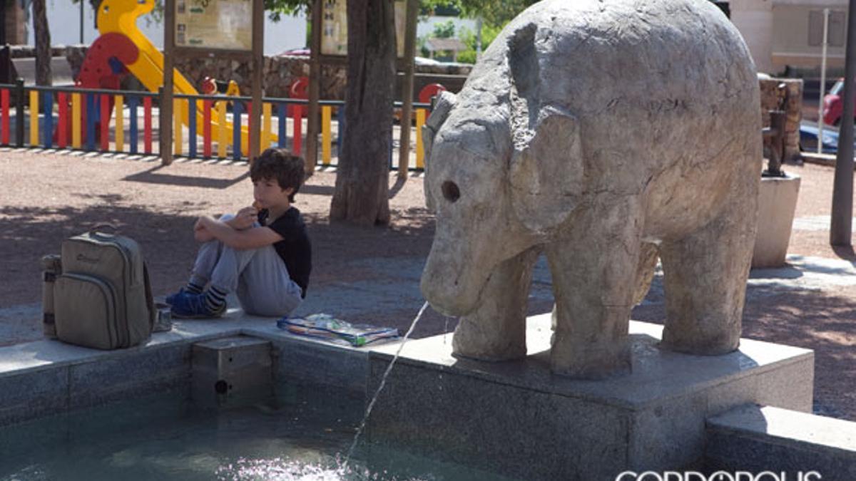 Reproducción de la Fuente del Elefante en la barriada de Trassierra.