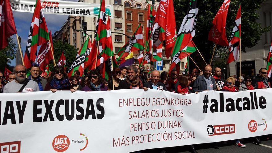 Cabeza de la manifestación del 1 de Mayo en Bilbao de CC OO y UGT.