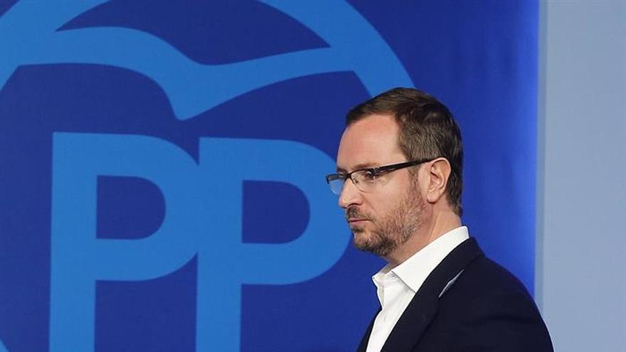 """El PP insiste en esperar a que """"aguas vuelvan a su cauce"""" para llamar a Sánchez"""