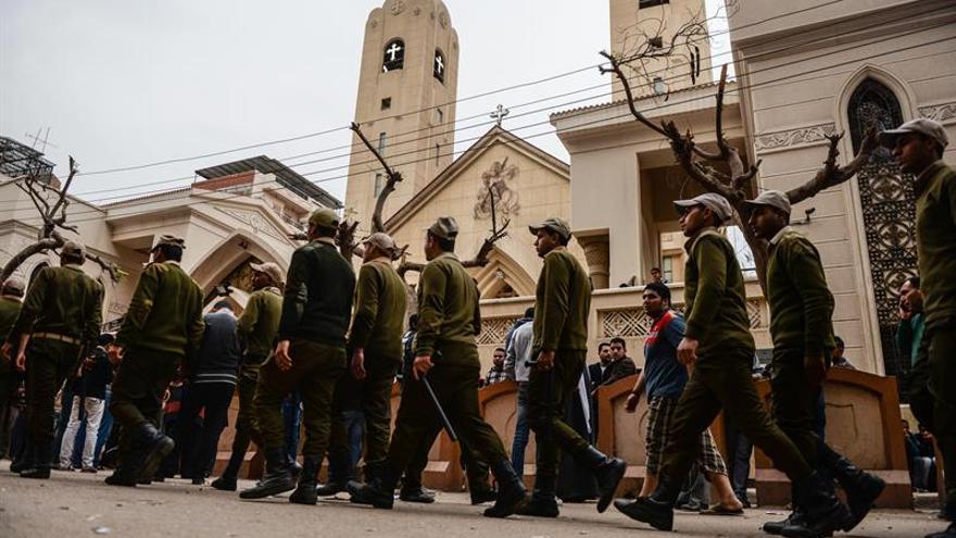 El Gobierno egipcio destituye a dos jefes locales de seguridad tras los atentados