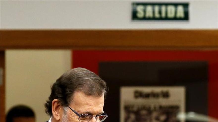 Rajoy llamó anoche a Urkullu para informarle de sus contactos con partidos