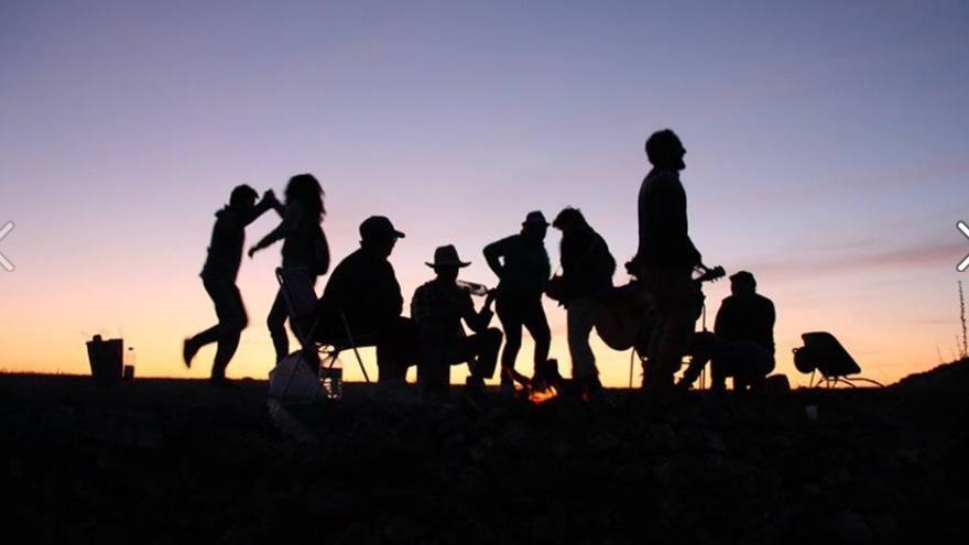 La Asociación para la Defensa del Patrimonio de Valle de la Serena comenzó el año pasado una serie de jornadas de voluntariado