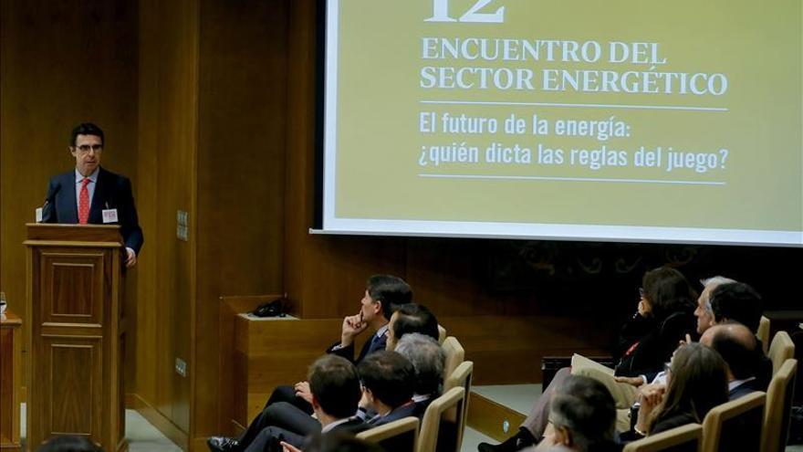Soria prevé que la bombona de butano se abarate en el segundo semestre