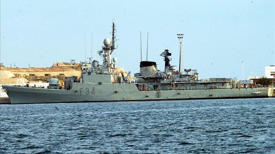 La Armada llevará a África alimentos, medicinas, ropa y juguetes