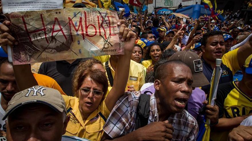 La Oposición venezolana se manifiesta en contra de la sentencia que impide las marchas