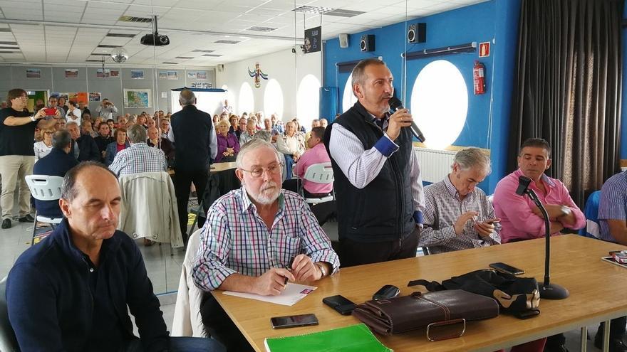 """'Sentada' de AMA contra los """"retrasos injustificados"""" en la solución a los derribos"""