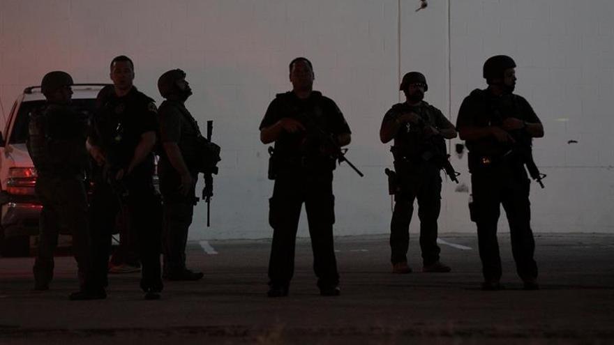 Un policía muerto y otro herido en tiroteo en California, en suroeste de EE.UU.