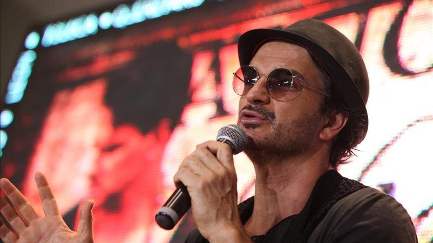 """Ricardo Arjona, un cantautor """"independiente"""" y """"orgulloso"""" de volar libre"""