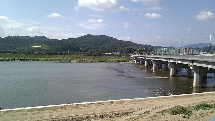 Algunos tramos del río Kumho se terminaron