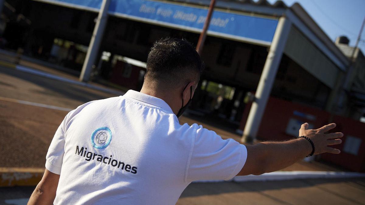 """Abrieron el paso """"Tancredo Neves"""", que une a la ciudad de Iguazú con Brasil."""