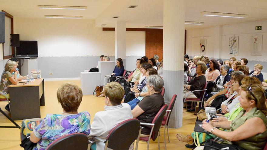 Apertura de la temporada de clubes de lectura. Foto / azuqueca.es