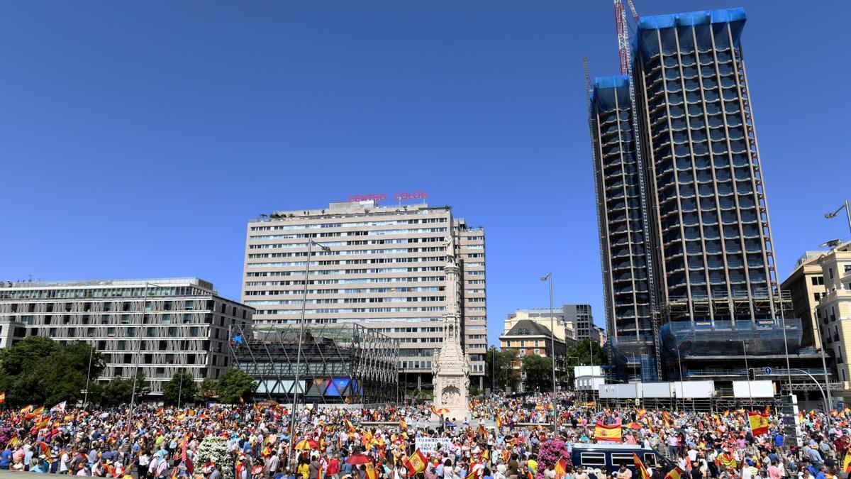 Imagen de la protesta de este domingo en la Plaza de Colón de Madrid.