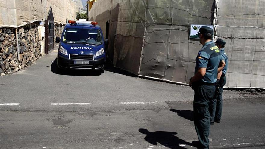 La Guardia Civil investiga la muerte violenta de un matromonio y el padre de la mujer en Guaza