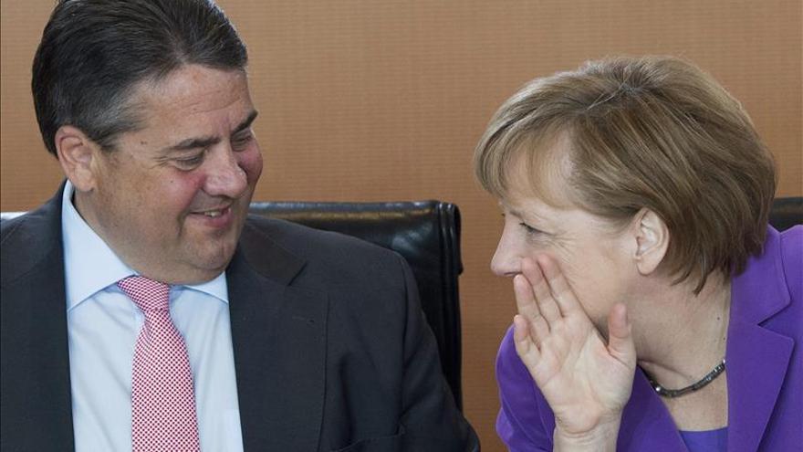 Merkel defiende las negociaciones con EEUU para un tratado de libre comercio