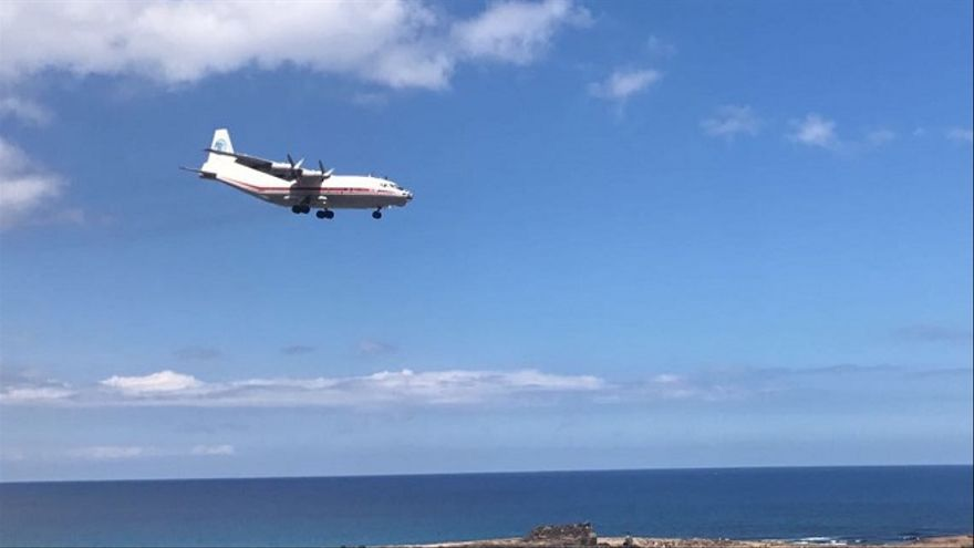 Avión llegando a Fuerteventura.