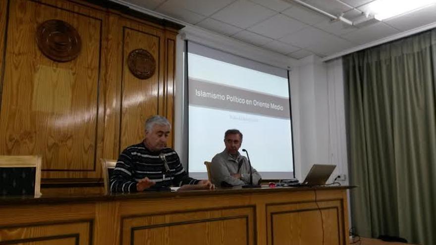 Conferencia islamista en Albacete. Waleed Saleh, profesor de Estudios Árabes e Islámicos de la UAM / Foto: albacetecapital.es
