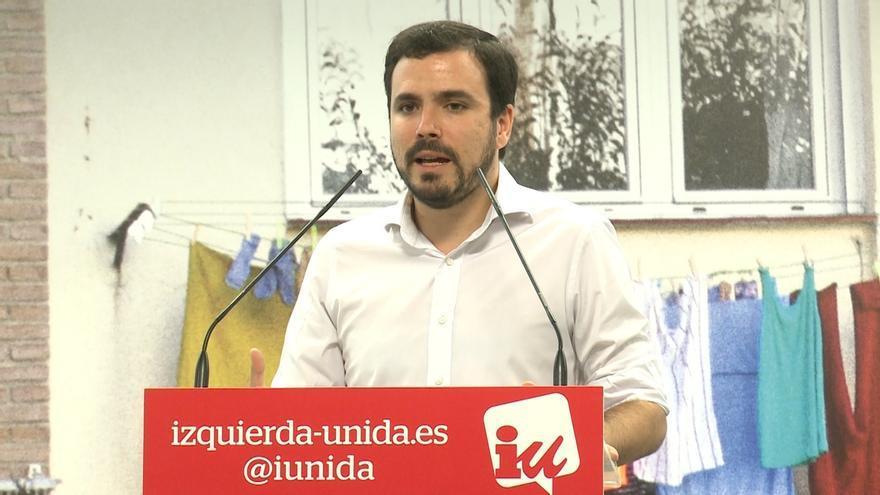 """Garzón afirma que la sociedad catalana está """"desbordando"""" la Constitución y la vía judicial """"va a empeorar"""" la situación"""