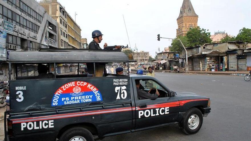 Casi 30 detenidos y una comisaría suspendida por una violación en Pakistán