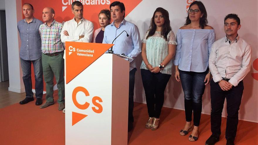 Fernando Giner junto a los miembros de la dirección de Ciudadanos en la Comunitat Valenciana