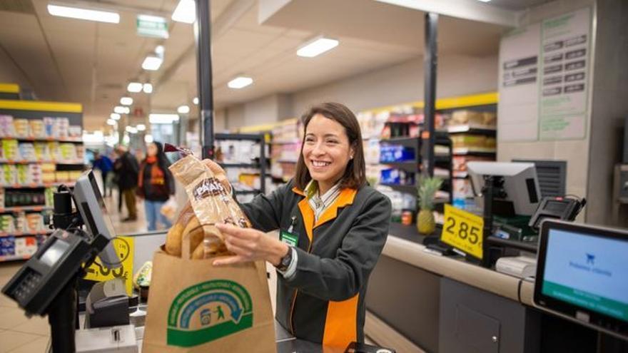 Mercadona retirará las bolsas de plástico antes de lo previsto.