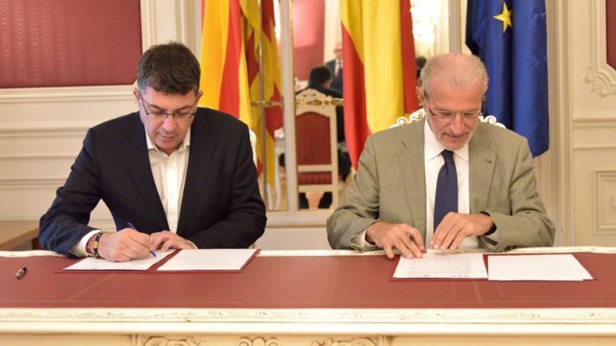 Enric Morera y Esteban Morcillo, rector de la Universitat de València