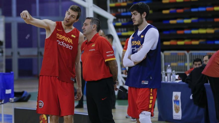 Fran Vázquez en el entrenamiento con la selección española.