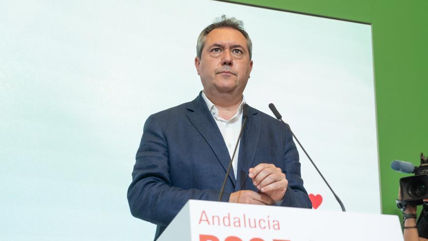 El candidato del PSOE-A a la presidencia de la Junta, Juan Espadas, en la rueda de prensa con la secretaria general, Susana Díaz  a 28 de junio 2021 en Sevilla (Andalucía)