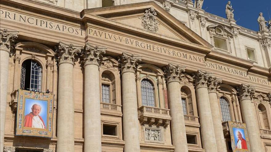 """Francisco, """"feliz"""" de proclamar la """"santidad"""" de Juan Pablo II"""