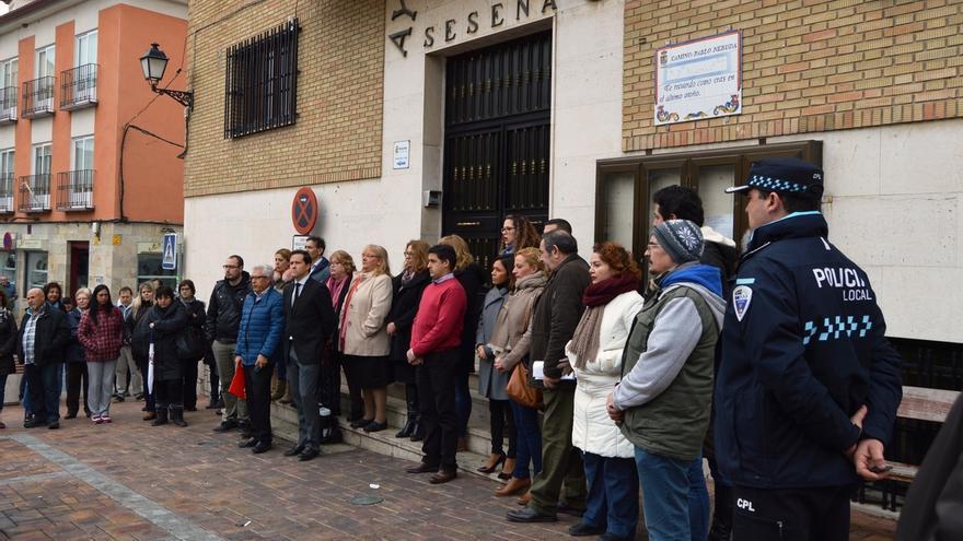 Guardan en Seseña un minuto de silencio por la mujer fallecida este fin de semana en El Quiñón