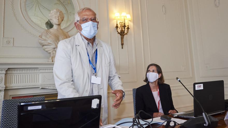Borrell, durante su conferencia este lunes en la sede de la UIMP en Santander.
