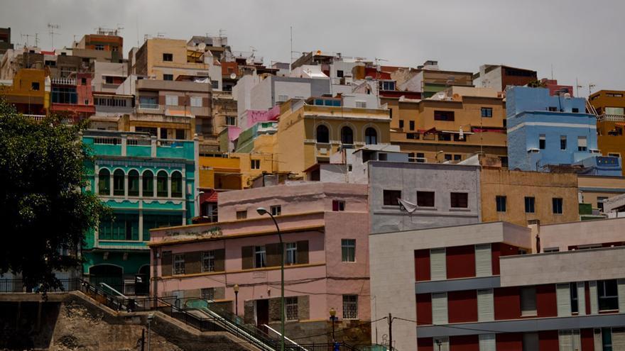 El barrio de San Antonio muestra una arquitectura colorida y ecléctica.