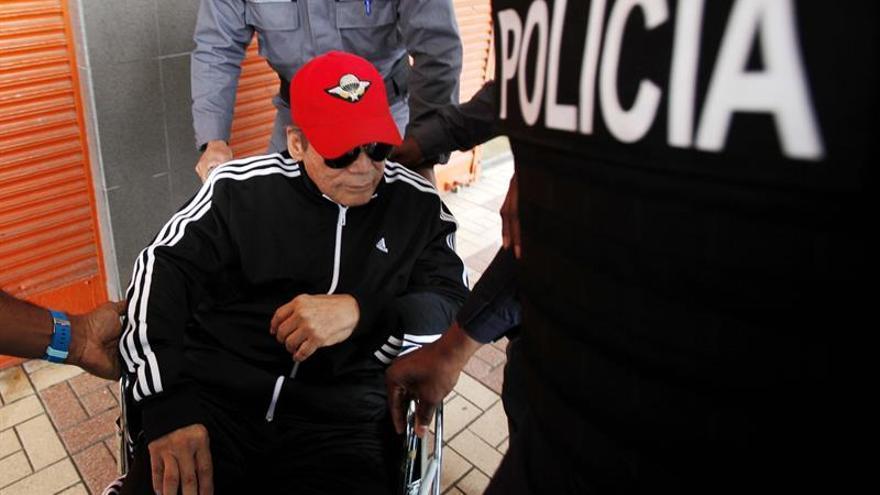 Noriega, por primera vez ante un juez en Panamá, dice ser inocente de los cargos de asesinatos