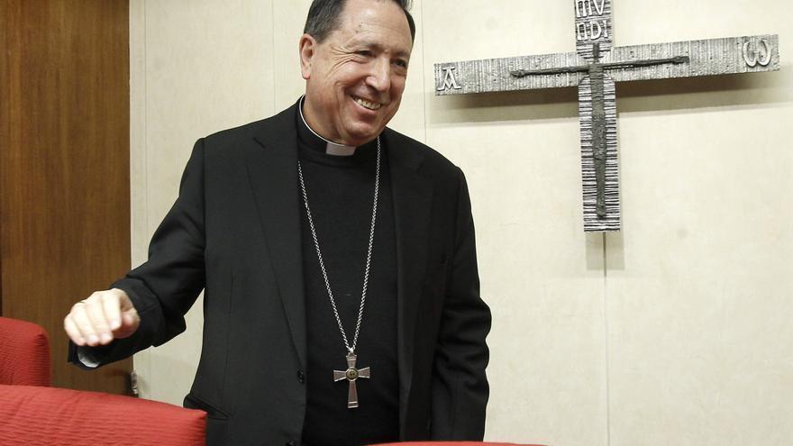 El arzobispo castrense, sedado e intubado por coronavirus en el Gómez Ulla