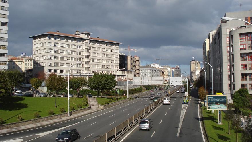 La Avenida de A Vedra (Alfonso Molina) es la principal vía de acceso a A Coruña