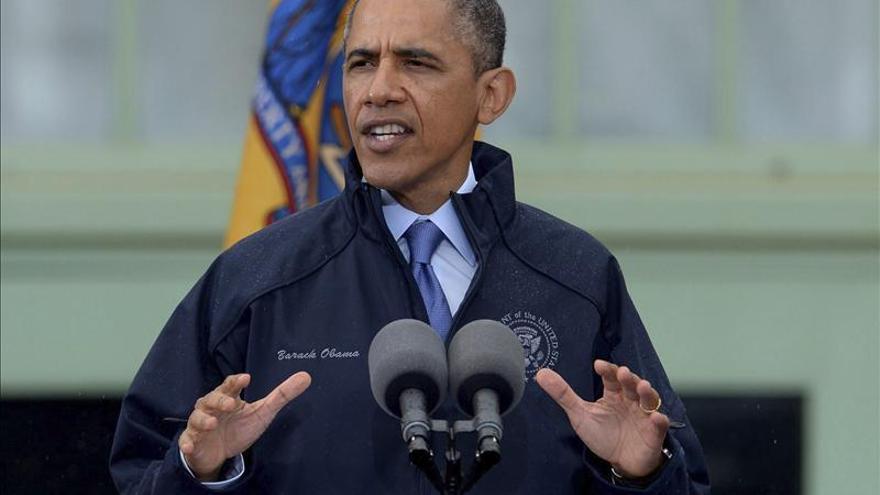 """Obama recorre las zonas reconstruidas tras """"Sandy"""" y alaba la fortaleza de los afectados"""