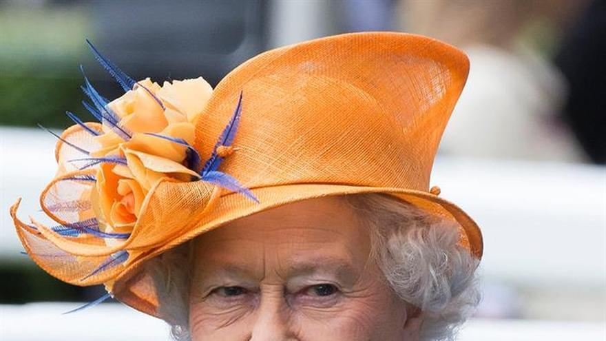 Isabel II agradece en un tuit los mensajes recibidos por su 90 cumpleaños