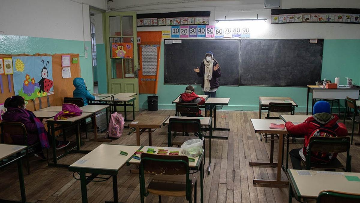 """Se recomendó """"a todas las provincias el retorno a la presencialidad plena en el Sistema Educativo Nacional, considerando todos los establecimientos de los niveles y modalidade"""