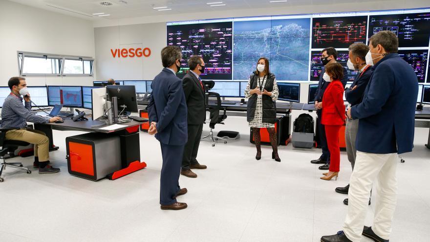La consejera de Economía, María Sánchez, en su visita a Viesgo