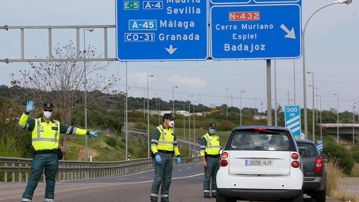 Control de la Guardia Civil durante el estado de alarma.