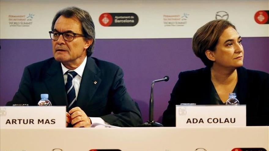 La alcaldesa de Barcelona reclama diálogo al Gobierno de Rajoy sobre Cataluña