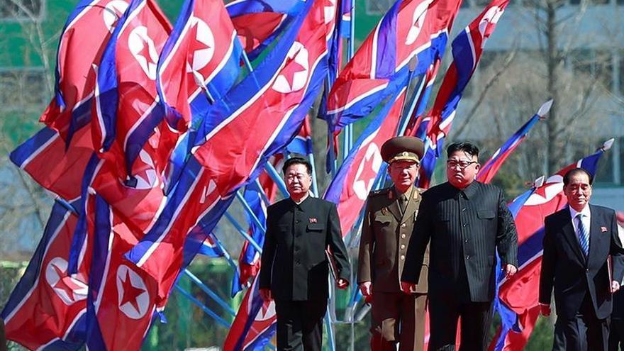Kim Jong-un supervisa las pruebas de un nuevo sistema de defensa antiaérea