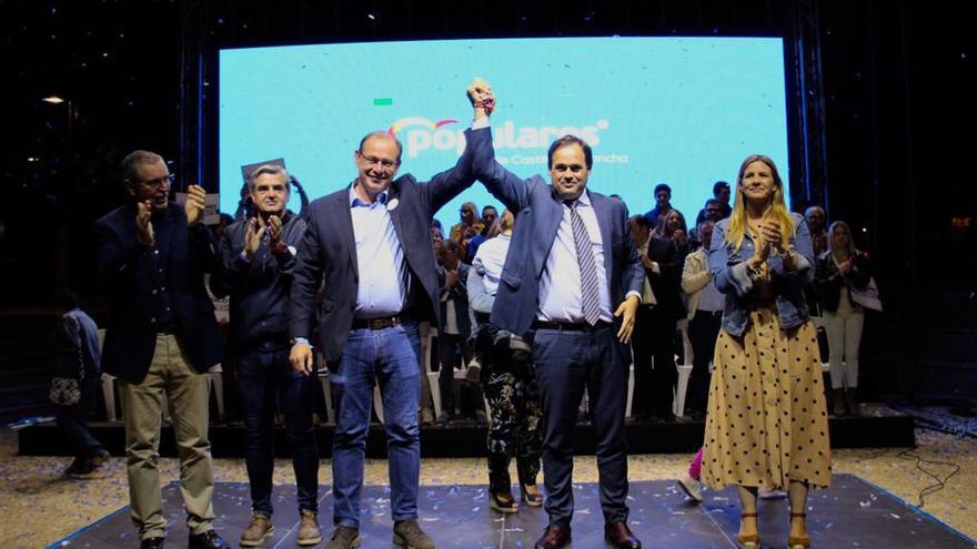 """Núñez, convencido de """"ganar"""" frente a un García-Page """"cansado"""" al que hay que """"mandar a la oposición"""""""