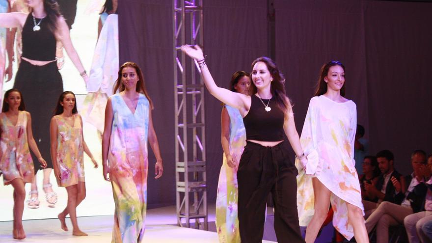 Paloma Suárez presentó un cortometraje de moda.