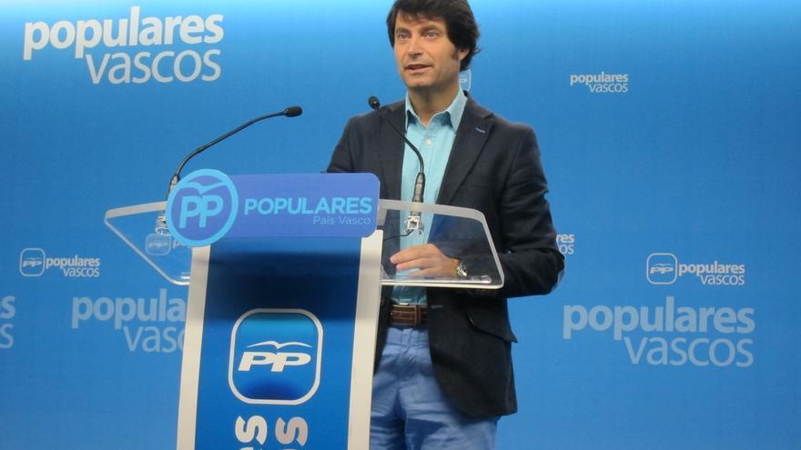 """Ruiz (PP) acusa al Gobierno vasco de """"ir más allá de sus competencias para provocar recursos y alentar su victimismo"""""""