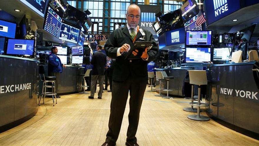 Wall Street abre con ganancias y el Dow Jones sube un 0,48 %